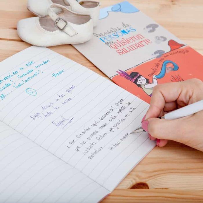 Cápsula del tiempo bebés Baby Retrobox: libreta para mensajes