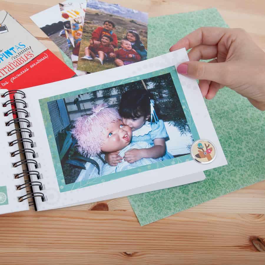 Cápsula del tiempo para niños y niñas Peque Retrobox: álbum de fotos