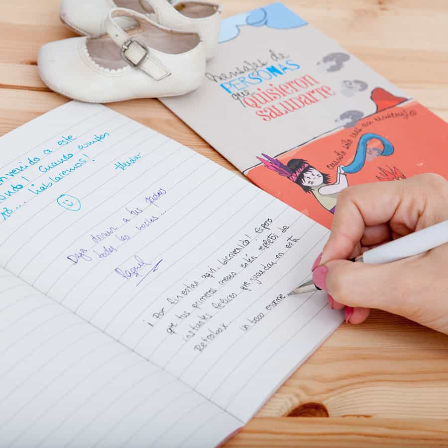 Cápsula del tiempo para niños y niñas Peque Retrobox: libreta de mensajes