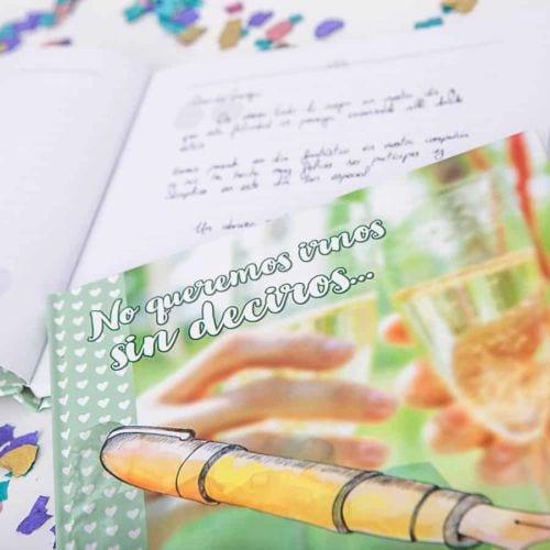 Cápsula del tiempo bodas Retrobox Sí Quiero: libro de firmas