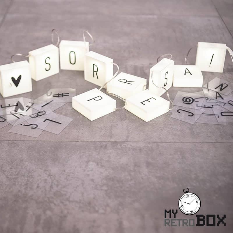 Scrabble luz letras pared