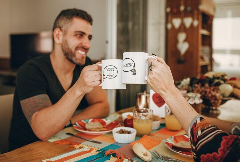 Celebrar la fecha de tu boda con un desayuno a domicilio